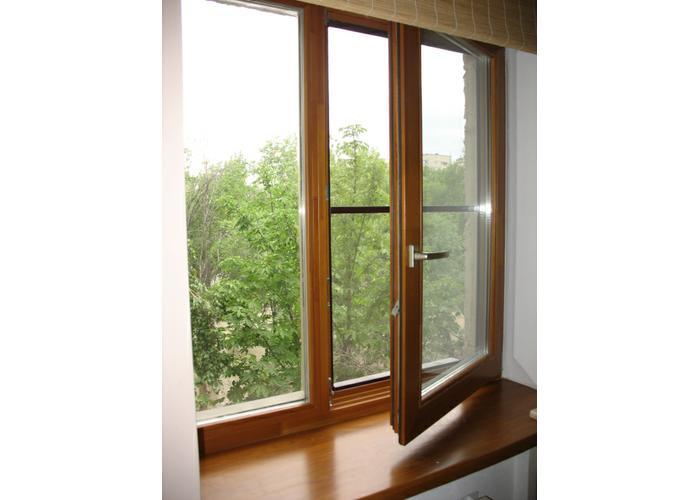 Деревянные окна москитная сетка